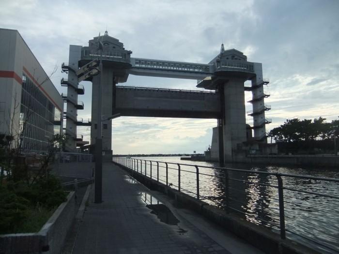 大型展望水門「びゅうお」