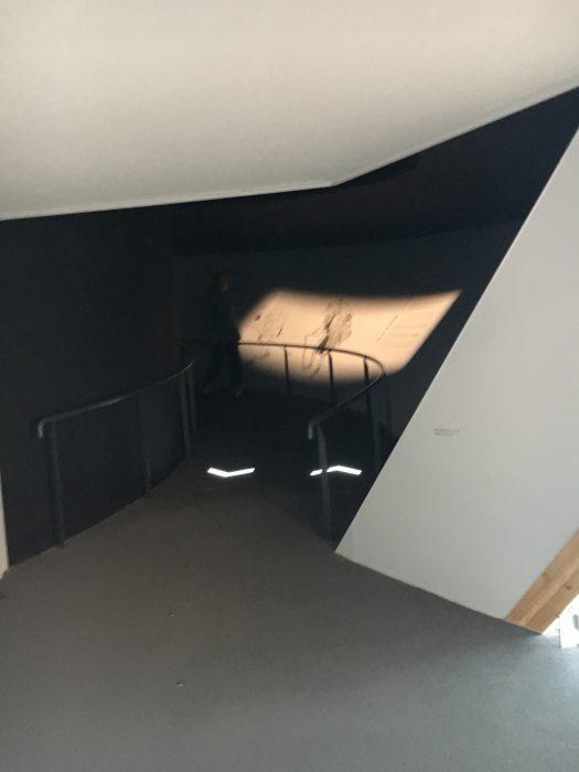 スロープの入り口写真