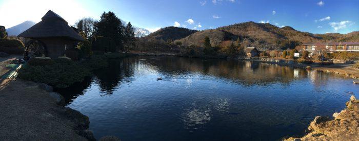 池のパノラマ写真