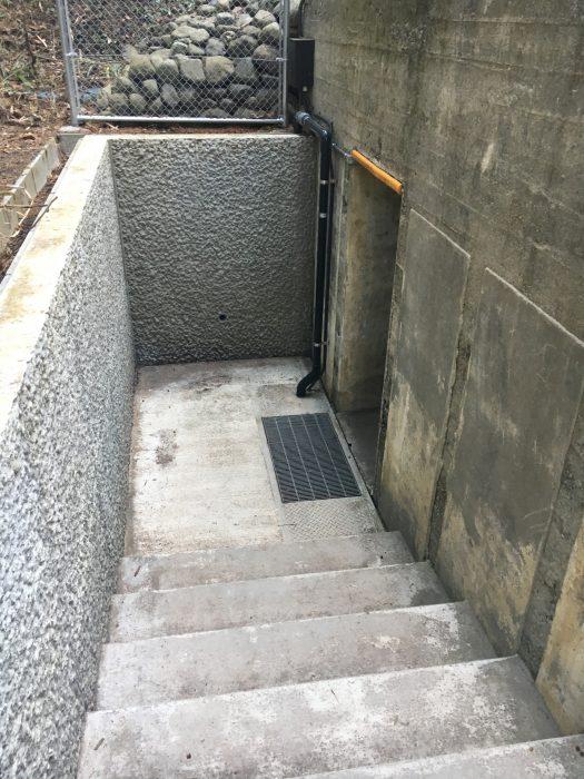防空壕の入り口写真
