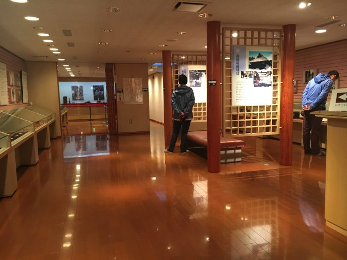 寄贈品の展示室の部屋