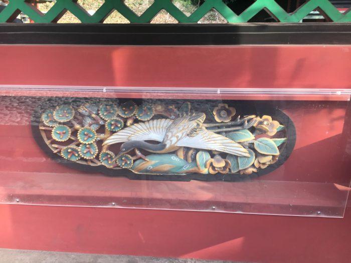 門の飾りの写真